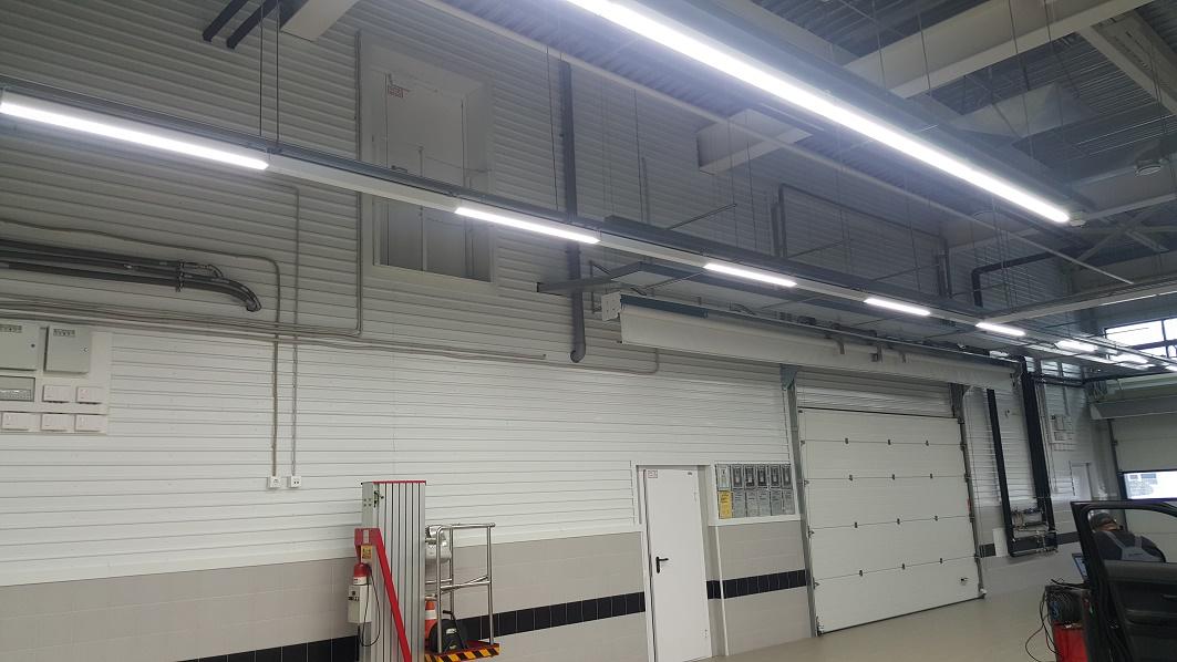Освещение автосалона Лексус светильниками FDL и ДСО